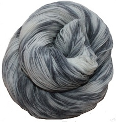 Holiday Yarns Silver Sock Yarn Spindle Shuttle And Needle
