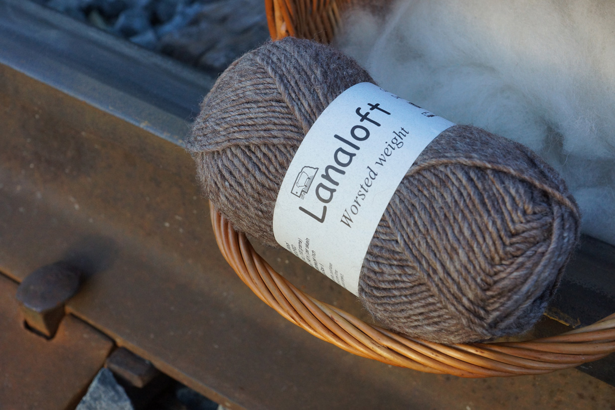 Brown Sheep Lanaloft Worsted Wool Yarn Spindle Shuttle